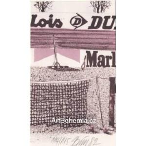 Síť s reklamou Lois, Dunlop a Marboro