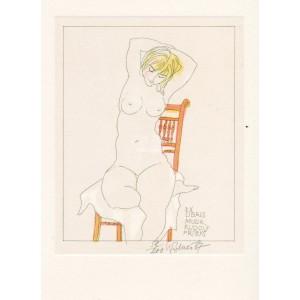 Na židli sedící dívčí akt s rukama za hlavou
