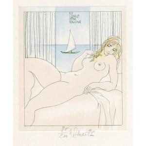 Ležící dívčí akt u moře s plachetnicí