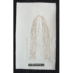 Akt s dlouhými vlasy